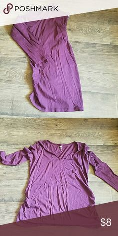 Maternity tee Darker than in pictures. Is more of a dark berry color. Smoke free per friendly Tops Tees - Long Sleeve