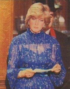 October 29, 1981: Princess Diana is given the Freedom of Cardiff city, and receives standing ovation after giving her first public speech, part of it in Welsh, at the end of her 3 day tour with Prince Charles to Wales. At Cardiff City Hall.