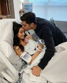 relationship goals,couples goals,marriage goals,get back together Cute Family, Baby Family, Family Goals, Couple Goals, Beautiful Family, Couple Ideas, Couple Stuff, Cute Couple Pictures, Pregnancy Photos