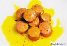 Aprende a preparar salchichas a la naranja  con esta rica y fácil receta.  La salchichas a la naranja que les enseño a continuación son un invento de una noche en la...