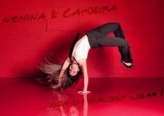 Menina & capoeira......