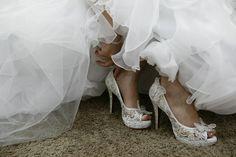 Sapato personalizado em cristais swarovisk aurora boreal!!!! <br>Cores de cristais de acordo com opção da cliente.