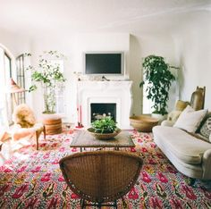 In praise of a vibrant, room-spanning rug.