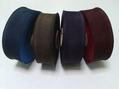 Fita gorgorão c/ duas cores:  Azul-preto;  Castanho-preto;  Roxo-preto; Vermelho-preto. 0.90€ metro Enviamos pelo correio, mais INFO, contacte:  Email: lisamodeloja@hotmail.com