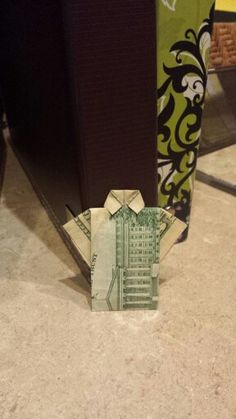 Guests get creative w/tips #origami