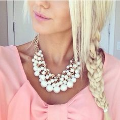 Beautiful pearls statement necklace Pretty classic necklace Hwl Jewelry Necklaces