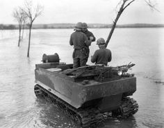 US M29 Weasel Tracked Vehicle ~