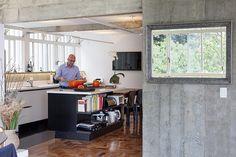 Open house | Alfredo Finotti. Veja: http://www.casadevalentina.com.br/blog/detalhes/open-house--alfredo-finotti--3139 #decor #decoracao #interior #design #casa #home #house #idea #ideia #detalhes #details #openhouse #style #estilo #casadevalentina #kitchen #cozinha