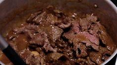 Escalope de filé mignon ao molho madeira caseiro com arroz à piamontese - Receitas - GNT