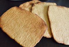 Prajitura Albinita cu foi cu miere si crema de gris cu lapte si unt Unt, Lily, Bread, Food, Brot, Essen, Orchids, Baking, Meals