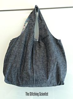 Remona's Reversible Hobo Bag | Craftsy (with template)