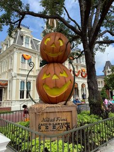 Looking 👀 for more details on all things fall at Walt Disney World?  When you're ready to travel, I'm ready to help you plan! Spirit Jersey, Wine Festival, Festival Decorations, Fall Photos, Epcot, Magic Kingdom, Disney Vacations, Halloween Themes, Walt Disney World
