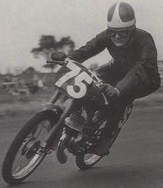 Passion itom Vintage Bikes, Vintage Motorcycles, Gear Art, 50cc, Racing Motorcycles, Valentino Rossi, Road Racing, Motocross, Motorbikes