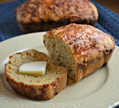 Heat it Up {Recipe: Beer Bread} - Dine and Dish - Easy Cheddar Beer Bread Recipe - A Helicopter Mom - Pumpkin Bread Is Great. Beer Bread Is Great. What About Pumpkin-Beer Bread? No Yeast Bread, Yeast Bread Recipes, Cheesy Beer Bread Recipe, St Patricks Day Food, Saint Patricks, Mini Loaf Pan, Girl Cooking, Food Print, Favorite Recipes