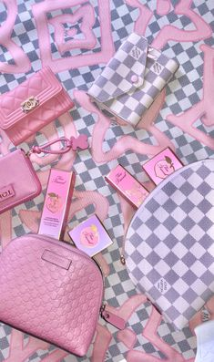 Sac Moschino, Handbag Accessories, Fashion Accessories, Mode Chanel, Barbie, Just Girly Things, Cute Purses, Everything Pink, Cute Bags