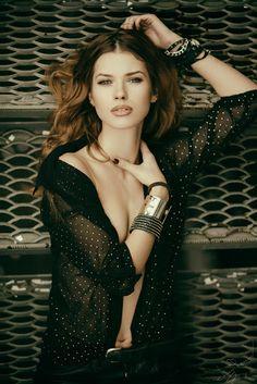 Oksana - Decent and sexy super model girl. #sexysupermodel #cutehotmodel #hotmodel