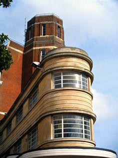 Architecture: Beaux Arts and Art Deco style art deco architektur england – bournemouth – art deco Architecture Art Nouveau, Amazing Architecture, Art And Architecture, Architecture Details, Streamline Art, Streamline Moderne, Art Deco Stil, Art Deco Home, Habitat Collectif