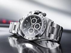 """La saga """"Daytona"""" de Rolex s'expose au Bon Marché (1988) http://www.vogue.fr/joaillerie/a-voir/diaporama/la-saga-montres-daytona-de-rolex-s-expose-au-bon-marche-paris-horlogerie/15599/image/870172#!3"""