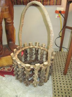 Rustic Branch Round w/ Handle Basket