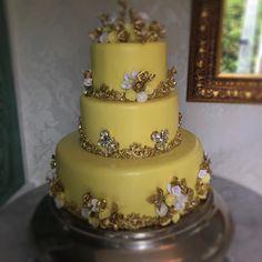 Vamos ter festa #feliz #deusnocomando #cake #bolodenoiva #marlyelucinhacascao