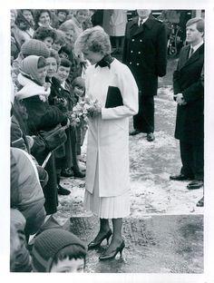 January 20 1987 Diana visits Tadworth Court Hospital for Children, Tadworth, Surrey.