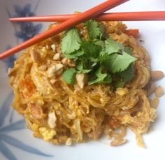 (Paleo Pad Thai) I love pad Thai. It's one of my favorite Thai dishes. Unfortunately, it's usually made with vegetable oils, sugar and MSG. This is one of the recipes from Ditch The Diet. Like I say in the program, you could make … Paleo Recipes, Asian Recipes, New Recipes, Whole Food Recipes, Cooking Recipes, Favorite Recipes, Paleo Sauces, Paleo Pad Thai, Recipes