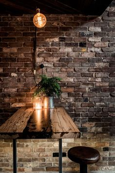 New York style loft - This friendly and rustic New York-style loft bar conjures the feeling and look of the city's back alleys instead of the refined coastal bar i...