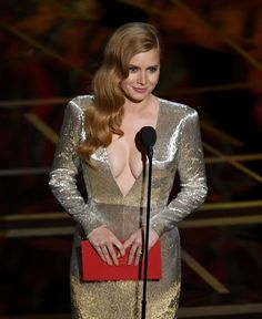 Amy Adams Photos - Actor Amy Adams speaks onstage during the Annual Academy Awards at Hollywood & Highland Center on February 2017 in Hollywood, California. - Annual Academy Awards - Show Amy Adams Arrival, Marie Claire, Actress Amy Adams, Stars News, Hollywood Heroines, Star Wars, Oscar Dresses, Classic Beauty, Beautiful Celebrities