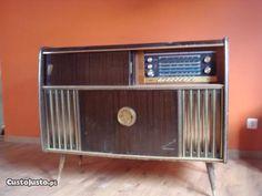 Radio antigo americano na Guarda