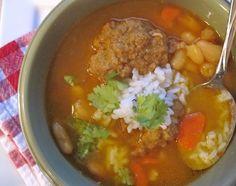 Sopa de Frijoles Blancos con Albondigas (White Beans and Meatball Soup) Healthy Cooking, Cooking Recipes, Healthy Recipes, Recetas Salvadorenas, Colombian Cuisine, Mexican Food Recipes, Dinner Recipes, White Bean Soup, Vegetarian