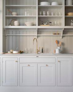 Kitchen decor and kitchen ideas for all of your dream kitchen needs. Modern kitchen inspiration at its finest. Craftsman Kitchen, Rustic Kitchen, New Kitchen, Kitchen Decor, Kitchen Ideas, Neutral Kitchen, Country Kitchen Designs, Funny Kitchen, Kitchen Modern
