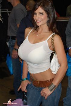Denise Milani [Gallery] :