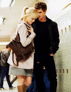 This picture is full of love and something else if you have seen the movie you know what mean Spiderman 3, Amazing Spiderman, Spiderman Gwen Stacy, Emma Stone Andrew Garfield, Marvel Comics, Marvel Dc, Movie Couples, Best Couple, Spider Gwen