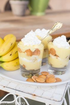 Banana Dessert Recipes Easy is Among the Liked Dessert Recipes Of Numerous Persons Round the World. Besides Simple to Create and Good Taste, This Banana Dessert Recipes Easy Also Health Indeed. Southern Desserts, Köstliche Desserts, Delicious Desserts, Yummy Food, Dessert Shooters, Dessert Cups, Dessert For Dinner, Banana Dessert, Easy Banana Pudding