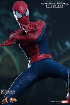 Marvel Spider-Man Sixth Scale Figure by Hot Toys | Sideshow Collectibles