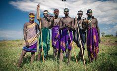 """""""Отдаленные"""" племена узнают о Христе с помощью фильма """"Иисус"""".  Благодаря тому, что фильм """"Иисус"""" перевели на 1500-й язык, Евангелие стало доступно племени, проживающему в отдаленной части Эфиопии и которое владеет только одним наречием. Команда миссионеров специал�"""