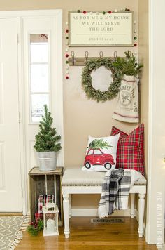 Christmas Home Tour - unOriginal Mom : Beautifully decorated classic Christmas Home Tour - lots of great Christmas decor ideas here! Beautifully decorated classic Christmas Home Tour - lots of great Christmas decor ideas here! Christmas Entryway, Christmas Bedroom, Farmhouse Christmas Decor, Noel Christmas, Country Christmas, Christmas Crafts, Holiday Decor, Christmas Island, Modern Christmas