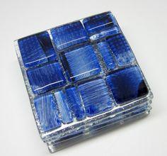 Porta Copos -VIDRO / Glass Coasters  vidro colorido   04 unidades  tons de azul  8 x 8 cm R$43,00