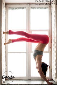 #ewakantoch #poledance #poledancer #fitness #dancer #handstand  Photo by Katarzyna Milewska