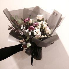 """#vaness #flower #vanessflower #flowergram #florist #instaflower #handtied"