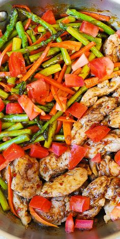 Balsamic Chicken with Asparagus and Tomatoes ~ A healthy, low fat, low cholesterol, low calorie meal that's packed with fiber (vegetables) and protein (chicken). Its so delicious, you'll wish all your healthy food tasted like it! Chicken Asparagus, Balsamic Chicken, Chicken And Vegetables, Balsamic Onions, Balsamic Glaze, Low Fiber Vegetables, Meals With Asparagus, Low Calorie Vegetables, Brisket