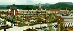 Shopping & Mini-Golf at Walden's Landing in Pigeon Forge