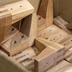 TEHDÄÄN HYVIN | HANDMADE QUALITY Työvaihe: Sohvan jalkoja | Craft: Sofa legs Tuotantolinja: Sohvat | Production line: Sofas  #pohjanmaan #pohjanmaankaluste #käsintehty
