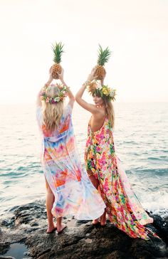 Inspo from our friends! Nothing beats summer at the beach in Show Me Your Mumu! Spruce up your summer wardrobe and shop your fave looks in store or online! Summer Of Love, Summer Fun, Spring Summer, Summer Chic, Best Friend Goals, Best Friends, Photo D Art, Look Boho, Beach Look