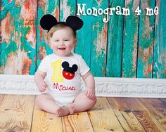 Great shirt for Mickey mouse Birthday Parties or a trip to Disney World!! Love this shirt. The Bodysuit comes in sizes 6-12, 18, and 24 months.  6-12