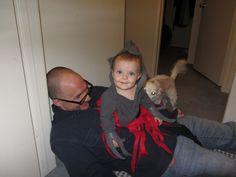 diy babywearing halloween costume papa and baby alien chestburster rated g - Aliens Halloween Costume Baby