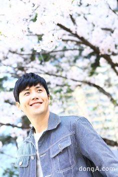 Asian Actors, Korean Actors, Kim Sun, Cute Actors, Pop Singers, Dream Guy, Dimples, Bts Memes, Korean Drama