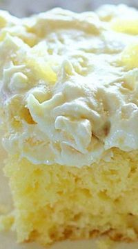 Pineapple Sunshine Cake (Southern desserts, recipes) A light and fluffy pineapple-infused cake, topped with a sweet and creamy whipped cream frosting. This cake is always a crowd pleaser! Southern Desserts, Easy Desserts, Healthy Desserts, Easy Snacks, Southern Recipes, Luau Desserts, Jewish Desserts, Yellow Desserts, Low Fat Desserts