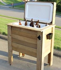 Resultado de imagen de diy outdoor cooler table