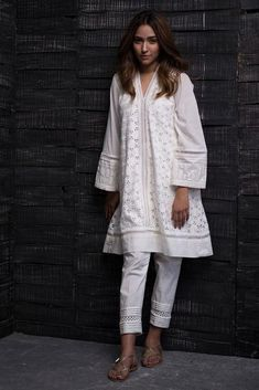 Pakistani Fashion Casual, Pakistani Dresses Casual, Pakistani Dress Design, Bollywood Fashion, Indian Fashion, Eid Outfits, Indian Outfits, Fashion Outfits, Ethnic Outfits